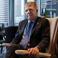 Mayor's fall in Seattle shakes the gay community he rose from.