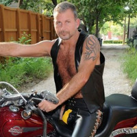This gay leather bar owner is running for Texas governor.
