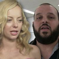 """Bijou Phillips apologizes to """"Mean Girls"""" star over gay shaming."""