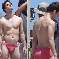 """Darren Criss shows off his butt in """"American Crime Story."""""""