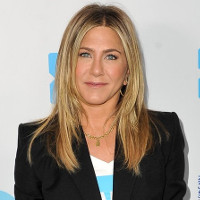 "Jennifer Aniston to play lesbian President in Netflix's ""First Ladies."""
