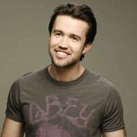Mac on 'It's Always Sunny In Philadelphia' came out to his dad through dance.