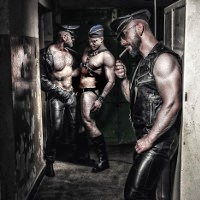 Vote for your favorite gay fetish photo in international competition.
