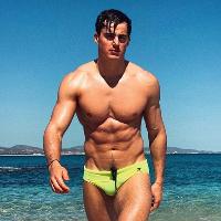 Pietro Boselli reaches Greek God-status in latest revealing Instagram post.