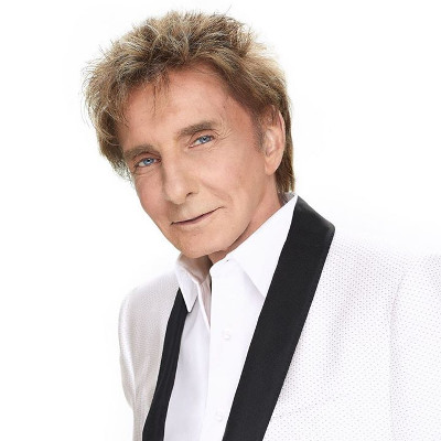 Barry Manilow finally opens up about being gay