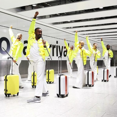 Heathrow baggage handlers channel their inner Freddie Mercury
