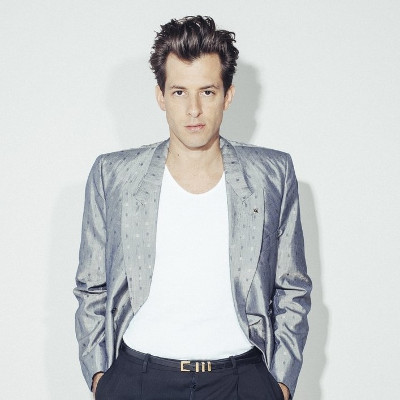 """Mark Ronson sorry for coming out as """"sapiosexual"""""""