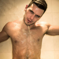 Shower time with Paddy O'Brian